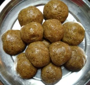 Dry fruits and nuts ladoo recipe