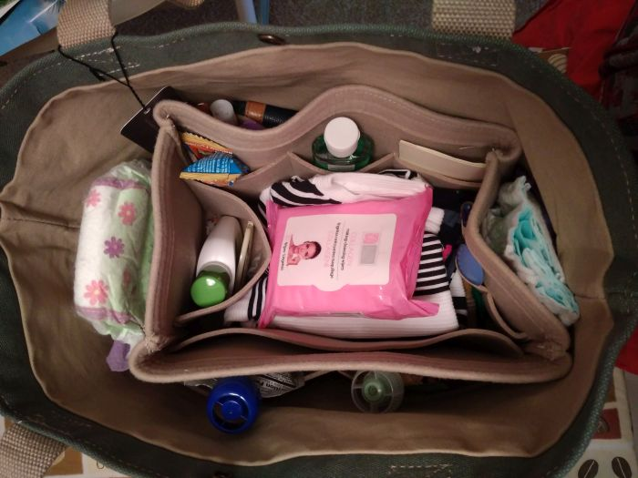 Keokee tote with organizer insert review - travel with kids made easy