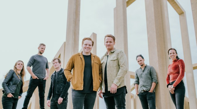 InSalvation werkt samen met Leeland op single 'Let the Heavens Be Open'