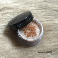 REVIEW - LAURA MERCIER TRANSLUCENT SETTING POWDER MEDIUM DEEP.