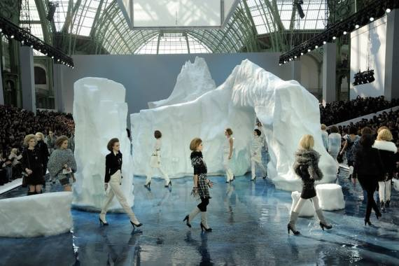 Chanel F/W 2010. Photo credits: Fairchild Archive.