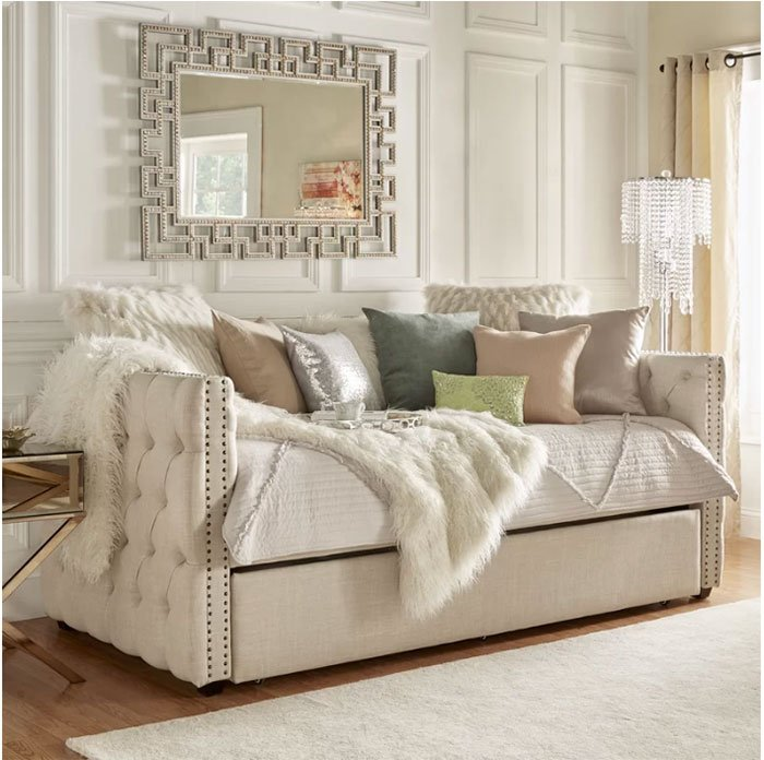 daybed to save space