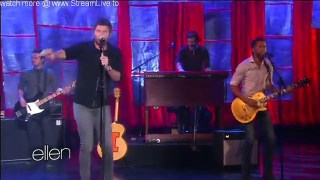 Brett Eldredge Performance Nov 02 2015