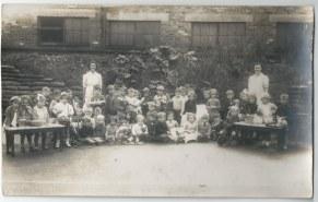 Pam Brogan original photo of Kingsholm infants c1940s