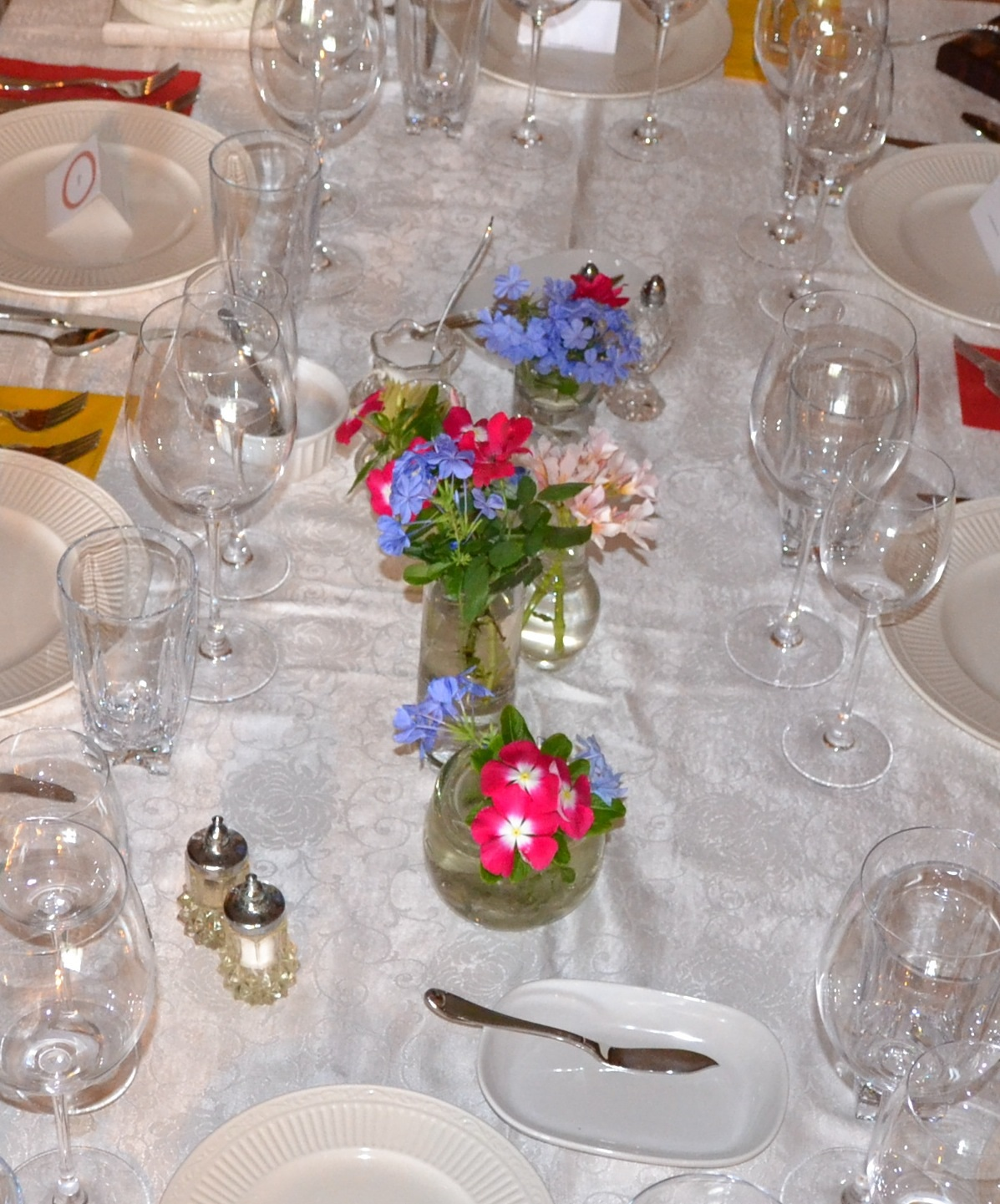 Setting a Gorgeous Table