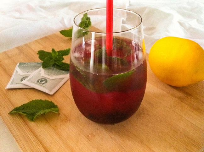 Blackberry Mint Iced Tea Lemonade – This Might Be on the Menu in Heaven