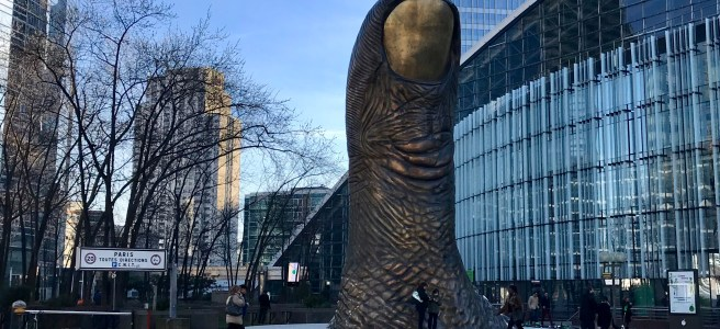 Cesar's statue in La Defense