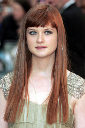 Bonnie Wright Glowing Color