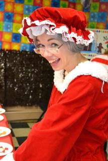 Glow Event Store Santa Claus & Elves