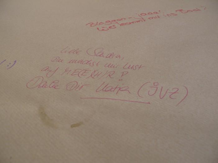 Ein netter Spruch auf der Tischdecke. Foto: Annica Müllenberg
