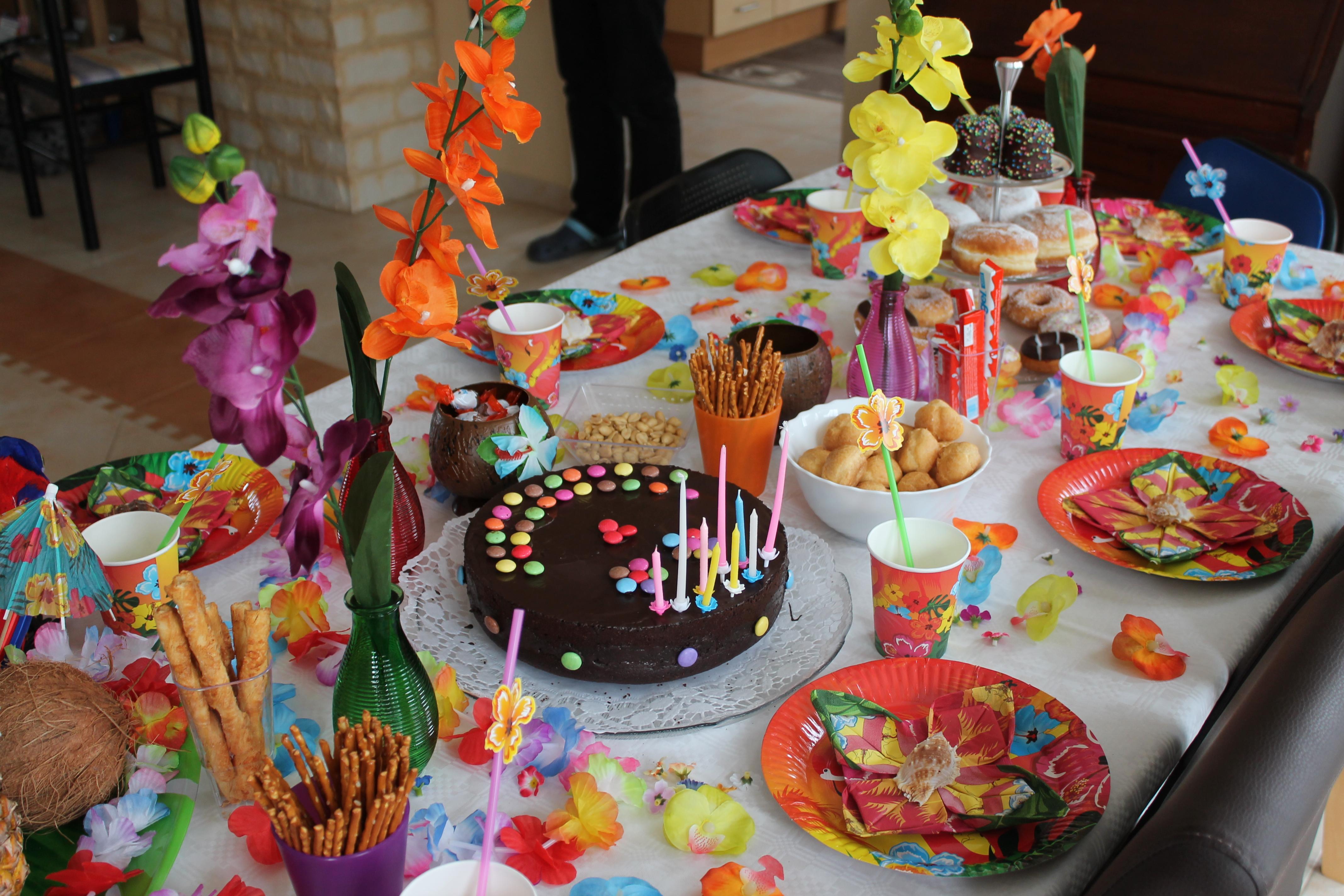 Tischdekoration Hawaii Party  KinderEventAgentur