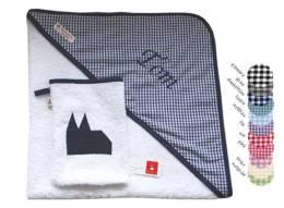 Bade-Set bestehend aus Handtuch und passendem Waschlappen in grau mit applizierten Kölner Dom und Namensstickerei