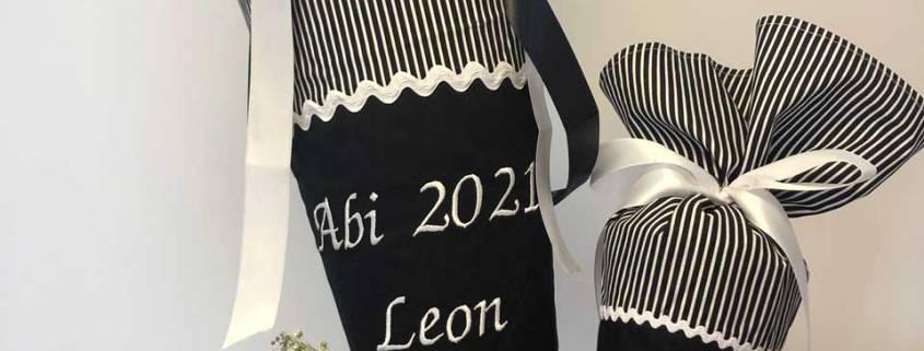 Sehen Sie sich hier unsere bestickte Schultüte zum bestandenen Abitur an.