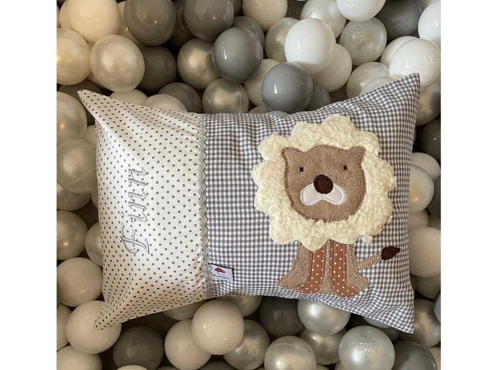 Kuschelkissen Kind: Der Löwe ist eines der beliebtesten Motive bei unseren Kissen für Kinder