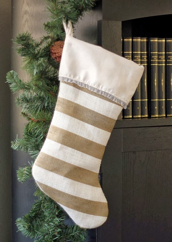 Make your own stockings this year with this free Christmas stocking pattern. A great beginning sewing project and they turn out so beautiful!