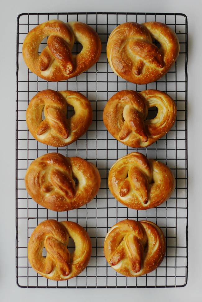 8 pretzels on cooling rack