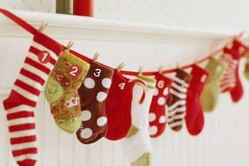 Homemade Advent Calendars {Day 7} A lil' Bit of This- A lil' Bit of That