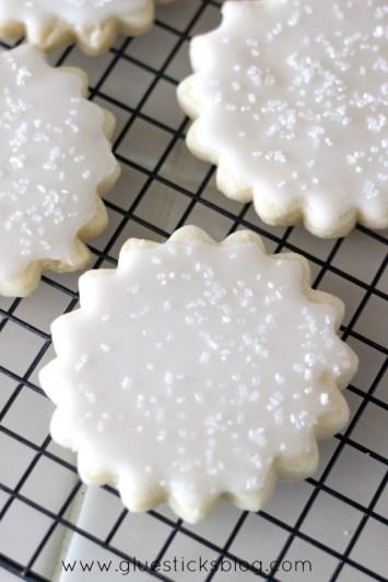 Lemon Royal Iced Cookies