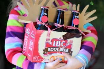 Rudolph Root Beer Bottles {Gift Idea for Dad}