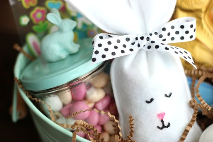 These felt bunny treat bags are quick and easy to make. Perfect fun for a class party or to surprise your kids in their Easter basket!
