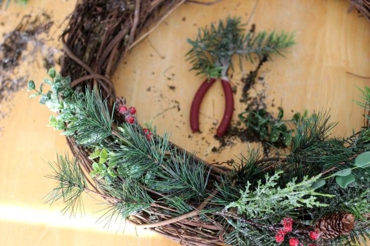 Winter Berry Wreath Tutorial Gluesticks