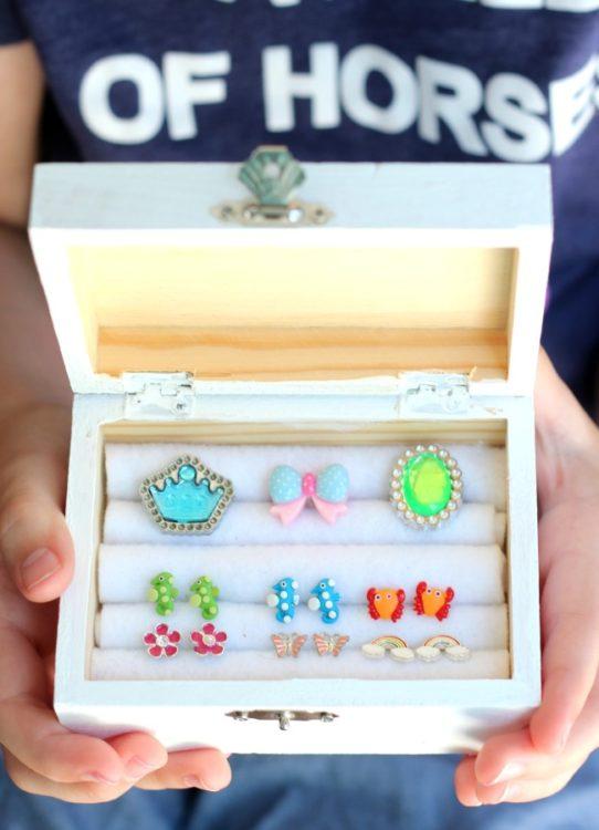 Toddler Jewelry Boxes : toddler, jewelry, boxes, Jewelry, Organize, Rings, Earrings!, Gluesticks