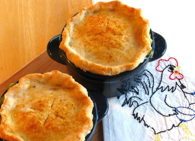 Individual Chicken Pot Pies | Gluesticks