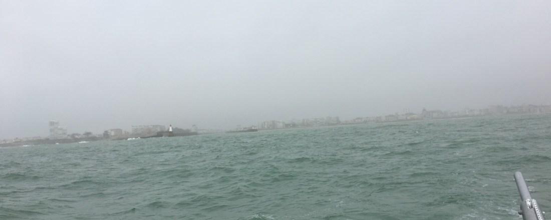 Les Sables verschwindet im Nebel