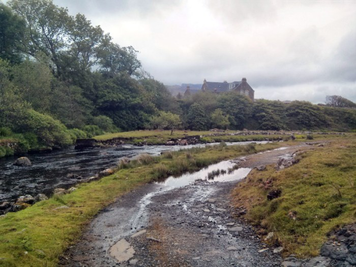 Two vegetarians, one gluten free girl, and an epic trip to the Isle of Skye. Find out what do see and eat, and my top tips for visiting gluten free Skye!