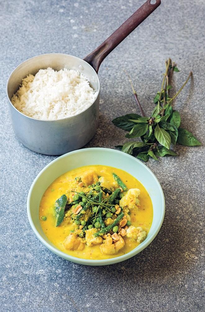 Thai Yellow Cauliflower, Snake Bean & Tofu Curry