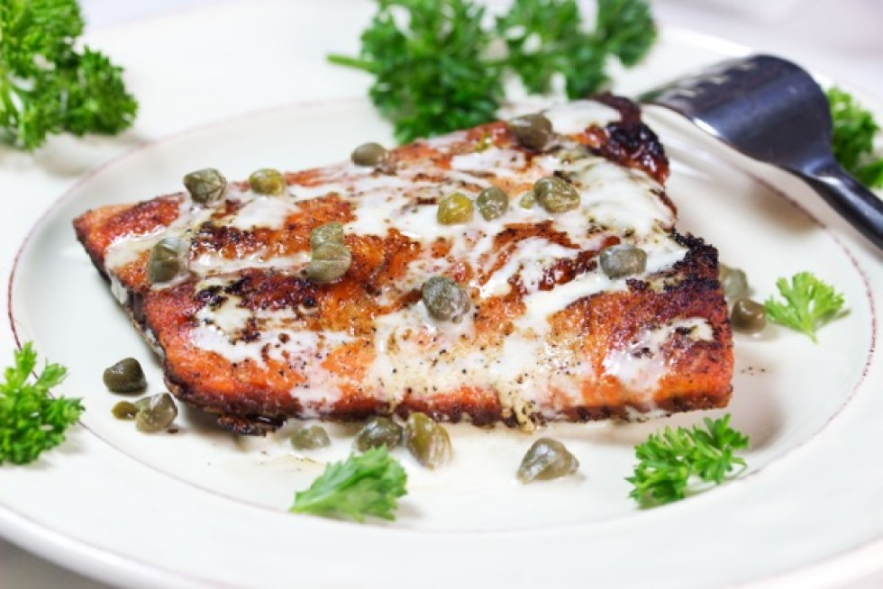 Keto Low-Carb Salmon With White Wine Sauce