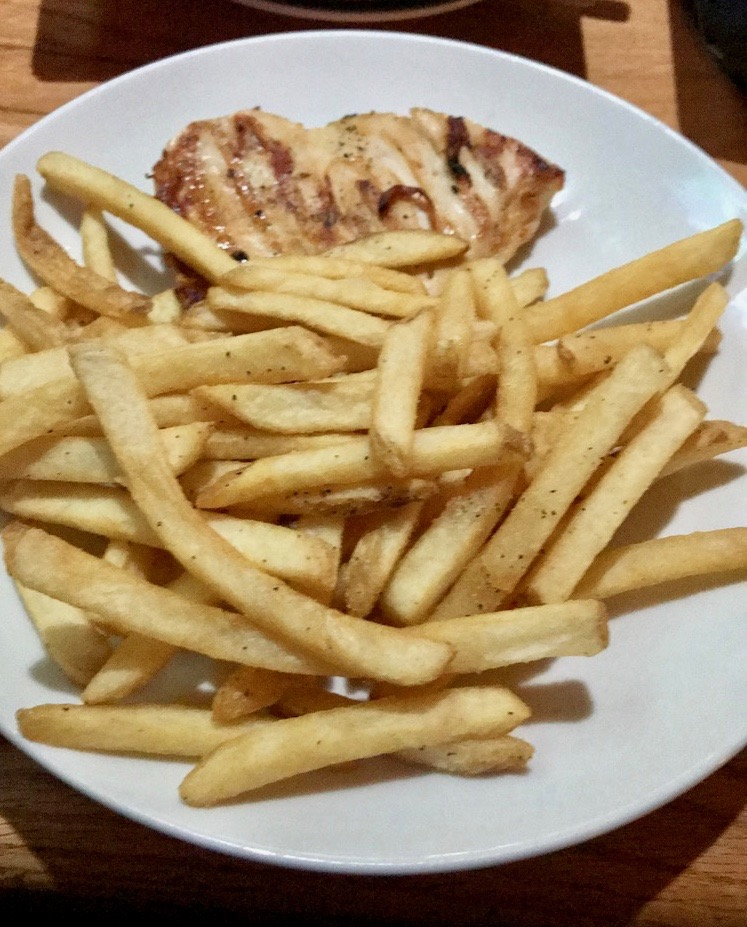 Applebee's Grilled Chicken & fries