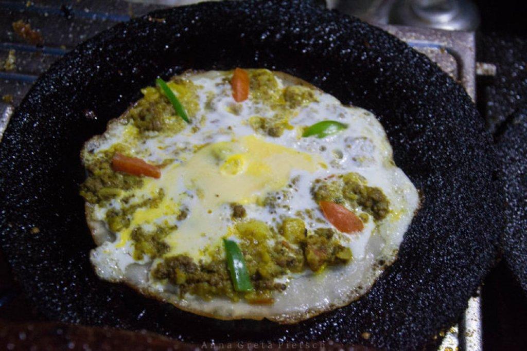 newari_pizza_kritipur_restaurant_nepal