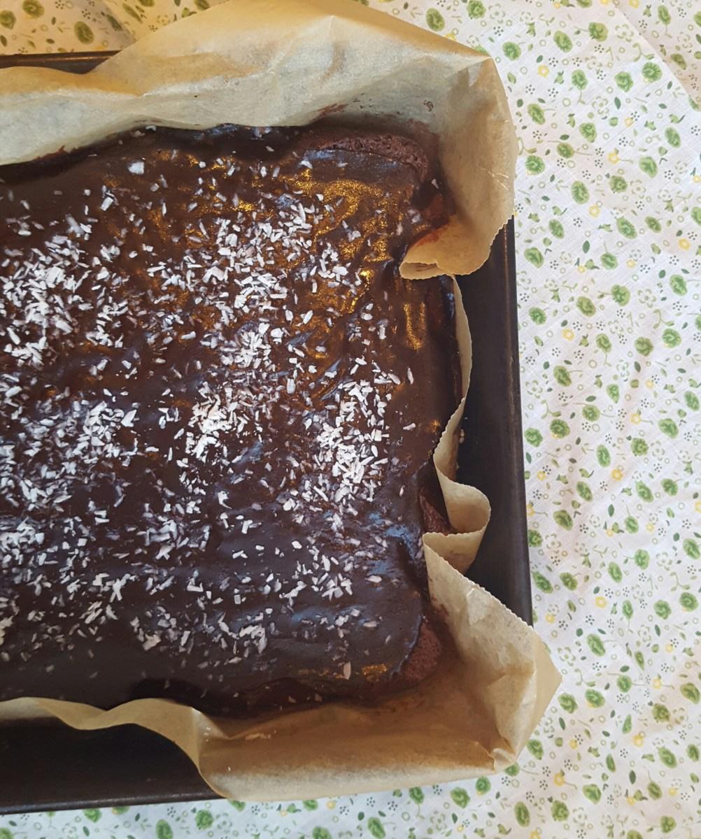Saftig gluten- og melkefri langpanne sjokoladekake