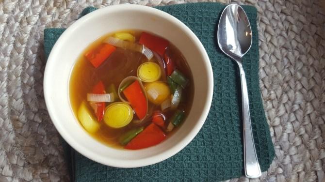 Glutenfri Asitaisk Nudlesuppe: supper og gryter som varmer