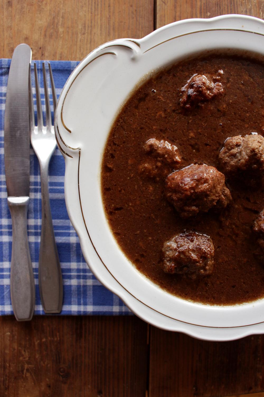 LITEN xxx kjøttkaker i brun saus 015