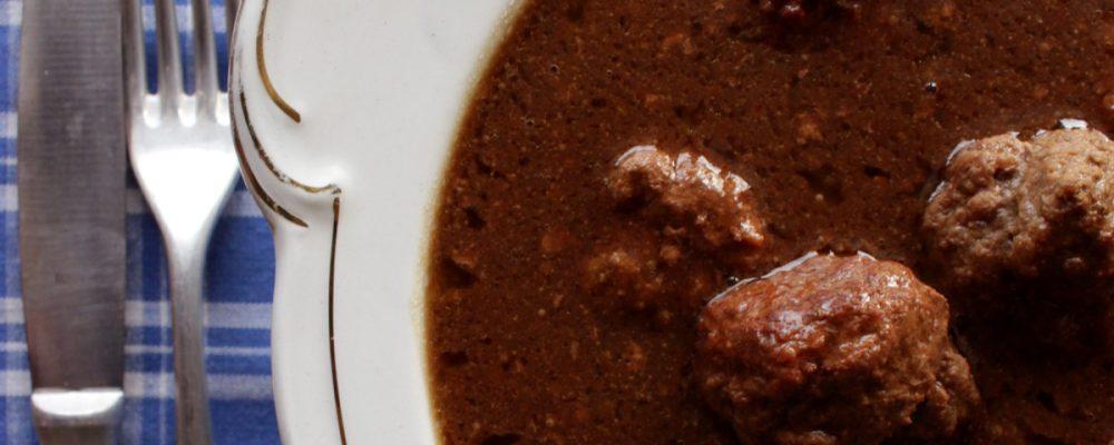 cropped-LITEN-xxx-kjøttkaker-i-brun-saus-015.jpg