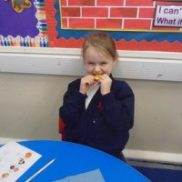 Handa's Surprise Fruit Tasting in Y1EB