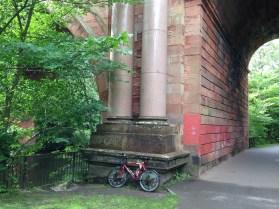 Kirklee Bridge pillars