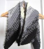 crochet, scarf, black and white, diagonal 003