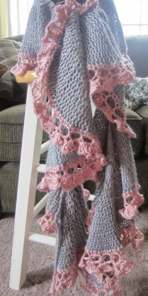grey, purple pink, potato chip scarf, short rows, knitting 019