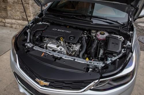 small resolution of chevy cruze engine bay wiring wiring library 2018 chevrolet cruze diesel sedan engine bay 001