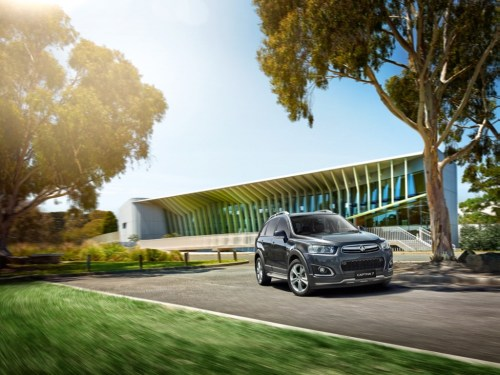 small resolution of gm s holden recalls 2014 2016 holden captiva 5 captiva 7 over non compliant label on jack