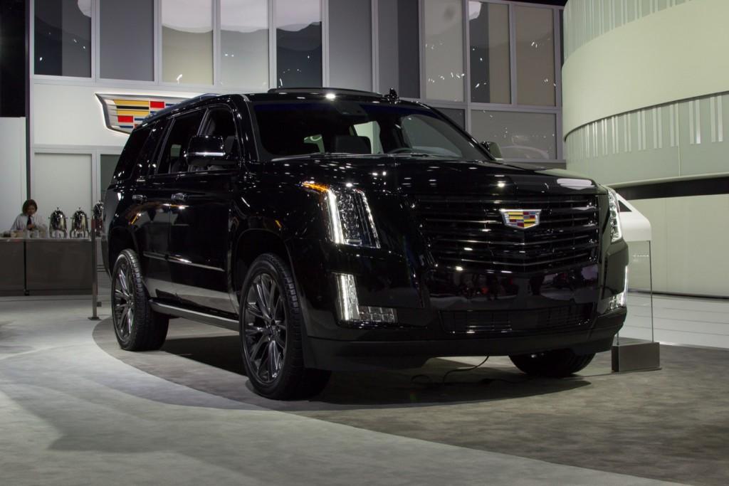 2019 Cadillac Escalade Sport - Exterior - Los Angeles Auto Show - November 2018 001 - Front Three Quarters
