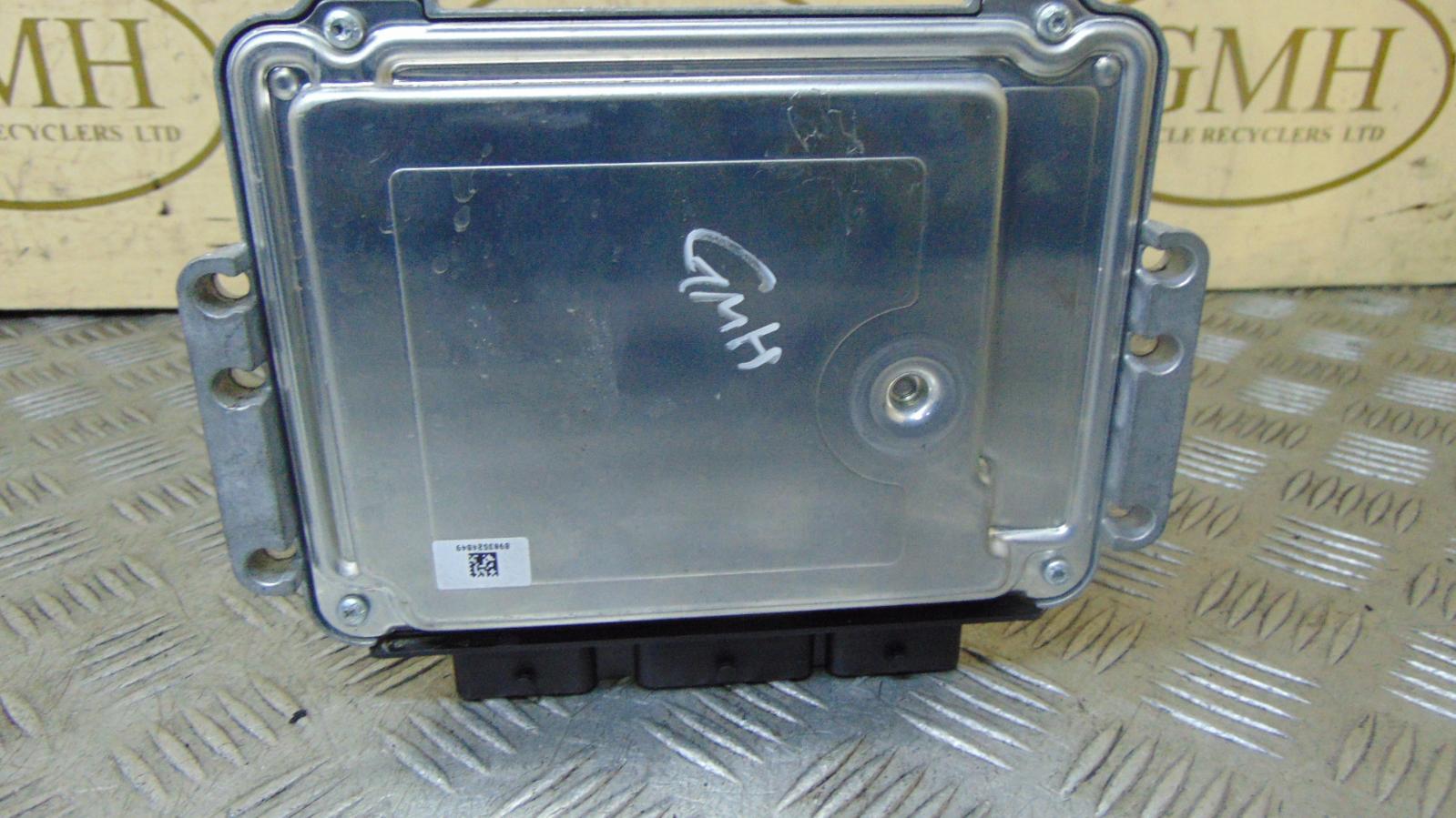hight resolution of 1 of 10free shipping volvo v50 ecu mk1 1 6 diesel engine ecu speedometer bcm fusebox 2004 2012