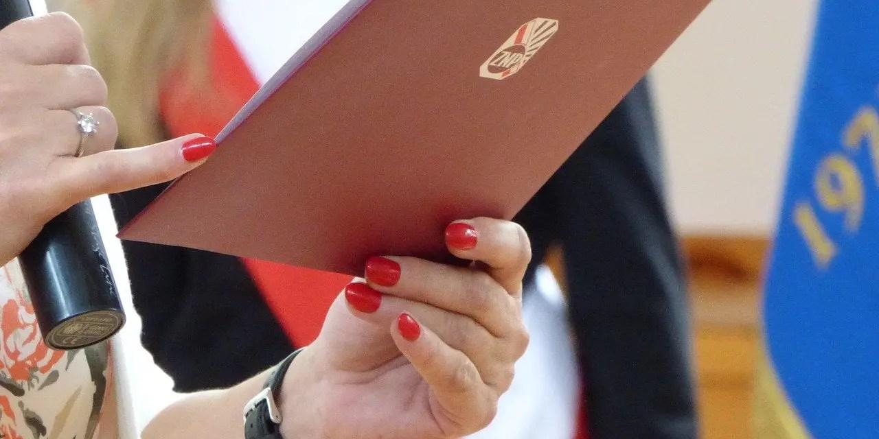 Związek Nauczycielstwa Polskiego: apeluje o odwołanie egzaminów kwietniowych i majowych.
