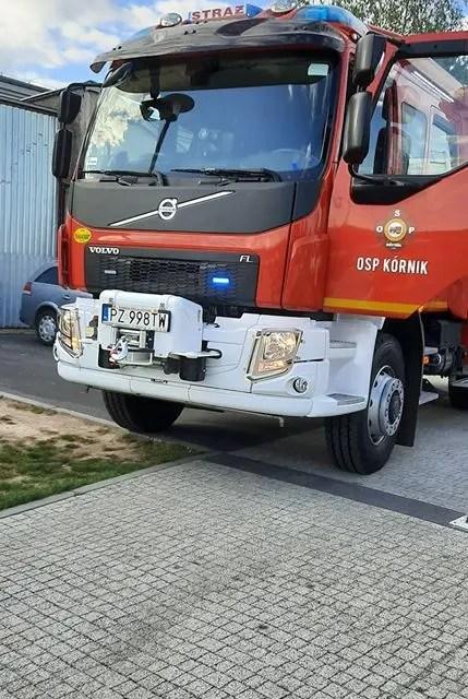 OSP Kórnik – Interwencja przy promenadzie – wycięto drzewo na spornym terenie.
