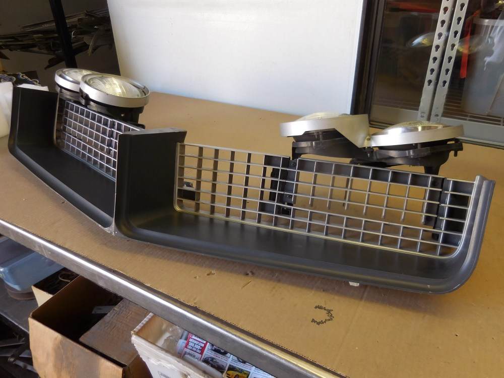 medium resolution of 1968 buick riviera grill and hide away headlight assembly call for details 209 462 4300