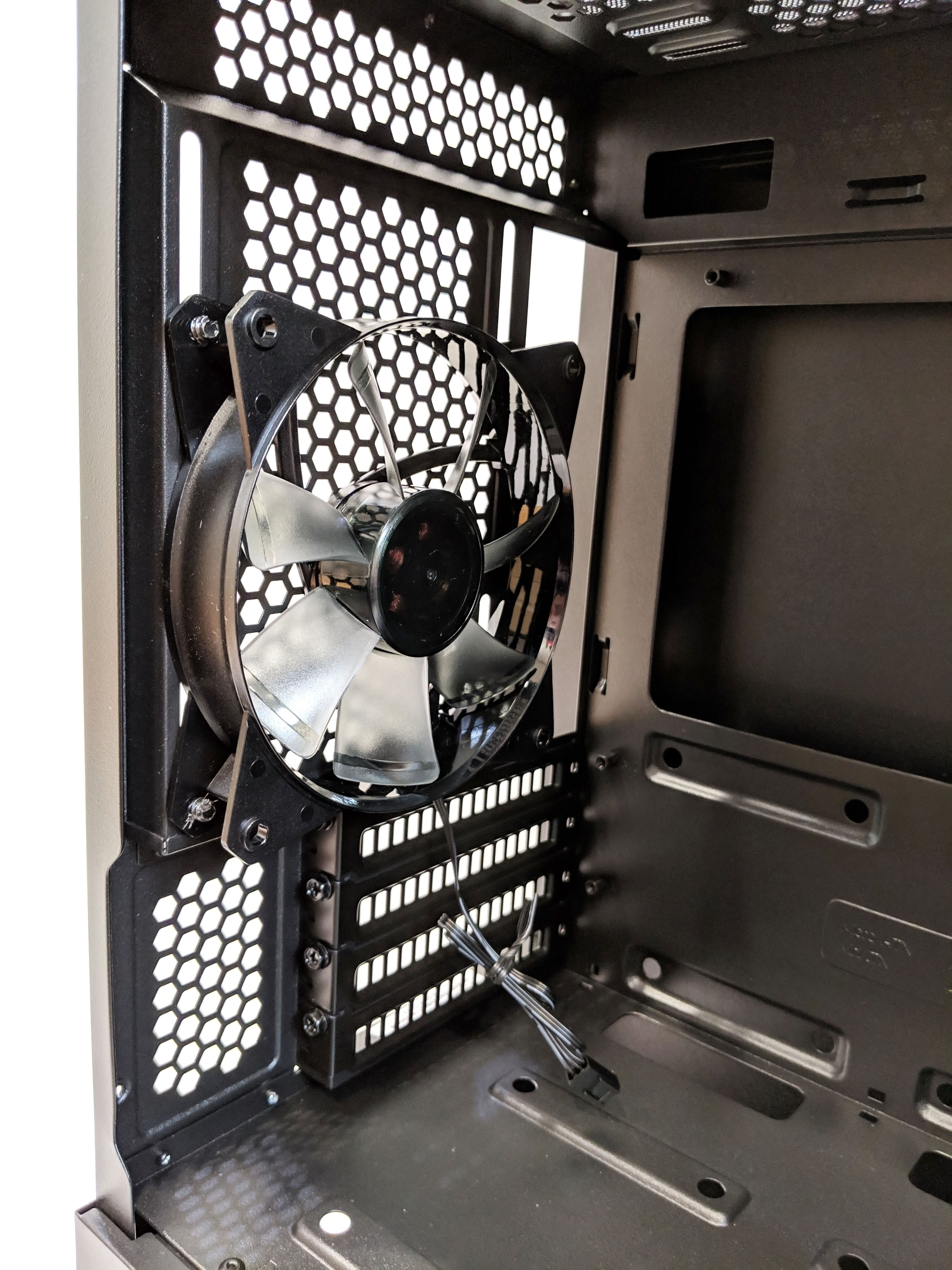 Cooler Master MasterBox NR400 Case Review – GND-Tech - Techregister