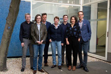 Die Jury des Deutschen Buchpreises 2019 v.l.n.r.: Jörg Magenau (Jurysprecher), Daniela Strigl, Alf Mentzer, Margarete von Schwarzkopf, Björn Lauer, Petra Hartlieb, Hauke Hückstädt Copyright: Foto: Sascha Erdmann